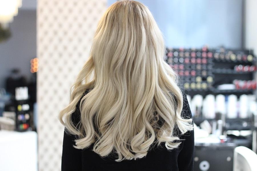 vopsit blond par lung